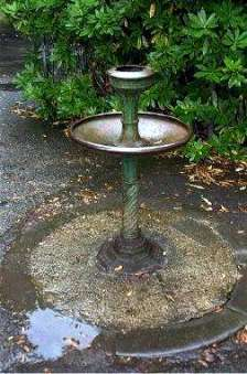 Dylan Thomas Drinking Fountain Source: http://www.jlb2011.co.uk/walespic/archive/991230.htm