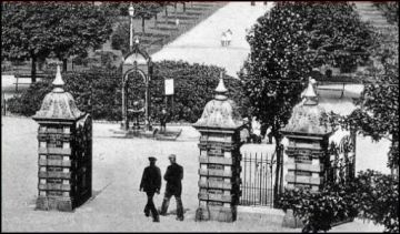 Billaney Memorial Fountain West Park, Hull