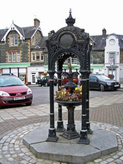 Breadalbane Drinking Fountain Source: Wikimedia. Creative Commons License, Richard Dorrell