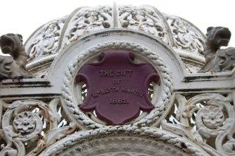 Status 2013. Newport-on-Tay Fountain Creative Commons License Bob Embleton. Source: geograph.org.uk