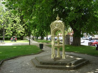 Monro Memorial Fountain Used with permission, Ian Sutton. Source: Flickr