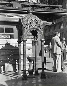 Railway Square Fountain Circa 1954 Used with permission, City of Sydney Archives