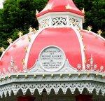 Richard Russell Fountain Dedication roundel