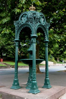 Source: http://ragpickinghistory.co.uk/2011/03/10/temples-of-convenience-cast-iron-fountains-and-urinals/