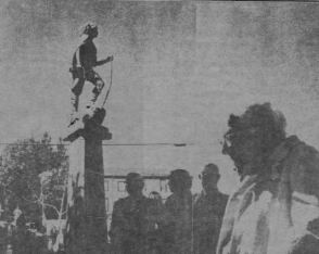 1984 Dedication day of new statue and fountain. Source: Point Richmond History Association