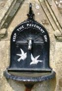 Source: http://www.isle-of-wight-memorials.org.uk/images/sha/shanklin_clock_2.jpg