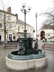 Source: http://www.midlandsheritage.co.uk/miscellaneous-heritage/4750-drinking-fountain-ilkeston.html