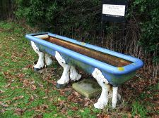 Creative Commons License, Keith Evans. Source: https://commons.wikimedia.org/wiki/File:Six_Legged_Horse_Trough_-_geograph.org.uk_-_1724295.jpg