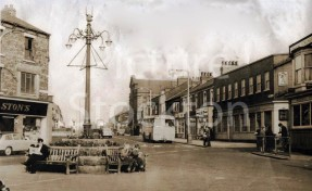 1970's image. Source: https://picturestocktonarchive.wordpress.com/2012/08/07/the-five-lamps-thornaby-c1900/