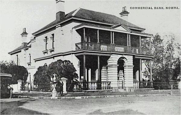 Visible on left side of image. Used with permission. Source: http://www.cbcbank.com.au/images/Branches/NSW/NSW%20Country/NSW%20Country%20M-O/nsw_country%20Ne-Nz.htm