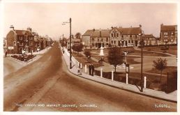 The-Cross-and-Market-Square-Carluke-Scotland-postcard