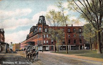 Circa 1910. The fountain is on the corner at the edge of the street