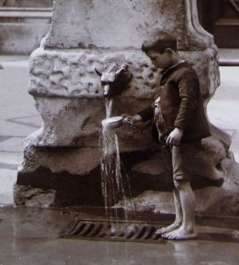 Sticky_history_refreshing water_Aldgate Pump